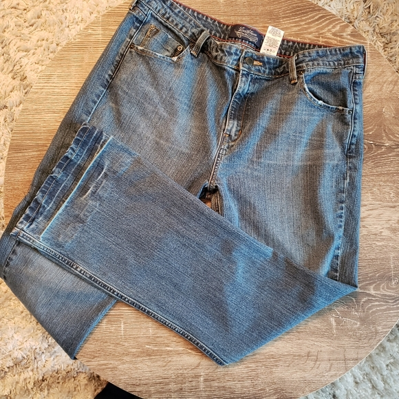 Signature by Levi Strauss Denim - Levi 515 Stretch Low Rise Boot Cut Jeans- Size 16